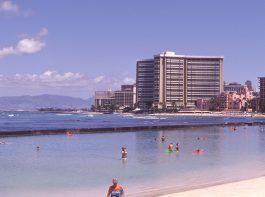 Waikiki-ocean-fun-scene-Jun.'02
